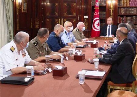 آیا تصمیم رئیس جمهور تونس کودتا بود؟ /ماده ۸۰ قانون اساسی تونس چه میگوید؟