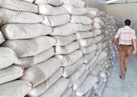 ورود سیمان به بورس حمایت از تولید و حقوق مصرفکننده است